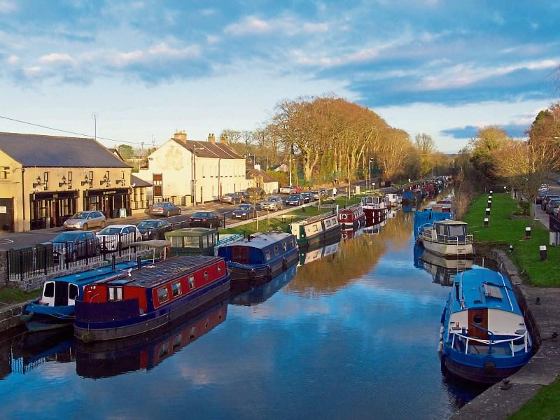 Sallins to Kildare - 4 ways to travel via train, taxi, car, and Uber