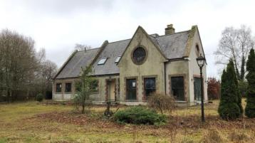 Fixer-upper property in Kilcullen with granny flat up for auction for €220,000