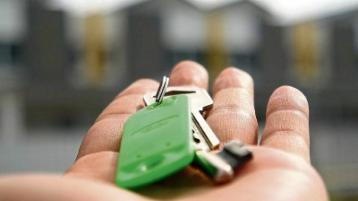 IS a fixed or variable mortgage better?