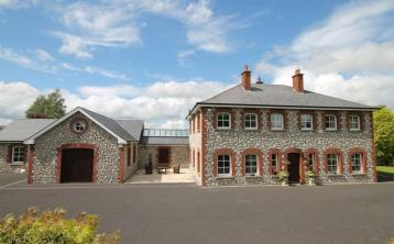 Magnificent 5-bed home near Ballymore Eustace with stables on 3 acres for €850K