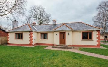 Substantial equestrian property with stables near the Curragh for €360,000