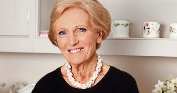 Meet Great British Bake Off's Mary Berry at the National ...