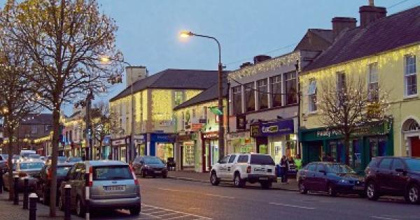 Dublin to Celbridge - 4 ways to travel via bus, taxi, car, and Uber