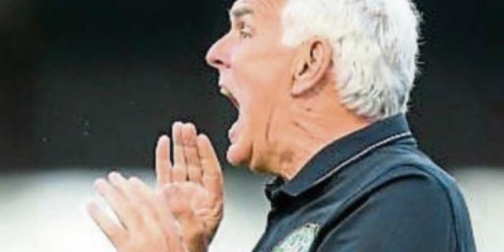 Mick Cooke takes charge at Newbridge Town AFC